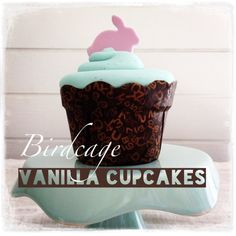 Birdcage Tea Bar - Vanilla cupcake with pink fondant cupcakes Fondant Cupcakes, Vanilla Cupcakes, Cupcake Cookies, Something Sweet, Bird Cage, Tea, Desserts, Pink, Food