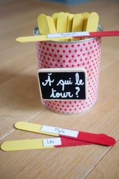 a qui le tour. French Teacher, Teaching French, French Classroom, School Classroom, Classroom Organisation, Classroom Management, Core French, French Education, French Resources