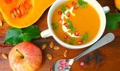 Dýňová polévka s jablkem a zázvorem Cheeseburger Chowder, Thai Red Curry, Cantaloupe, Soup, Fruit, Ethnic Recipes, Soups