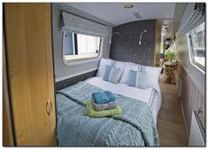 Houseboat Interiors Ideas Like No Other