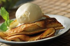 Bananpannkaka med söt kokosmjölk
