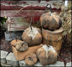 Primitive Rusty Looking Pumpkins with Curly Stems EPATTERN