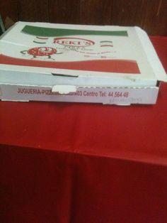 Las pizzas que venden en el Dual city donde trabajo. No están nada mal jeje