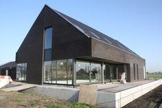 Nieuw sportcomplex voetbalvereniging SVA gebouwd door Bouwbedrijf Vrouwe.