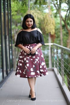 Layla Floral High Waisted Flare Pleated Midi Skirt - RACHAYA Classy & Sassy Plus Size Clothing fashion for women from Bangkok Thailand
