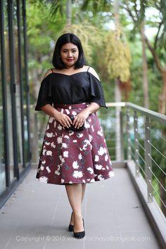 Layla Floral High Waisted Flare Pleated Midi Skirt - RACHAYA Classy & Sassy Plus Size Clothing fashion for women from Bangkok Thailand กระโปรง ชุดสาวอวบ