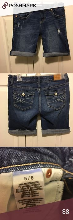 ✅2 for $15 Aeropostale Bermuda jean shorts Excellent condition. No stains or marks. Combine with any item with a ✅ for a $15 bundle or add three more items for 30% Off Bundles. Aeropostale Shorts Bermudas