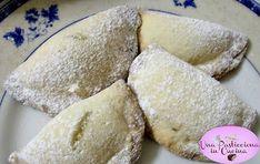 Tortelli Dolci al Forno : deliziosi dolcetti di pasta ripieni , presentati in una più leggera versione al forno , anzichè fritti , tipici del Carnevale ! !