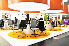 Nowy Styl Group at Orgatec: Modern Office and Facility'12 - Intrata line