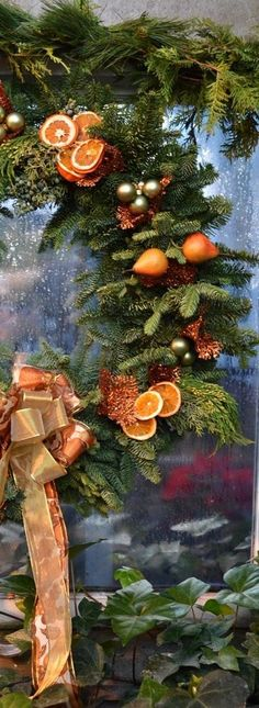 Merry Christmas To All, Christmas Colors, Rustic Christmas, Christmas Themes, Christmas Oranges, Christmas Decorations, Oranges And Lemons, Seasonal Image, Home Decor Ideas