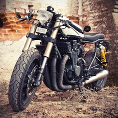 Honda CB750 Nighthawk Cafe Racer by Dogma Motorcycles: http://www.returnofthecaferacers.com/2012/05/honda-cb750-nighthawk-cafe-racer.html