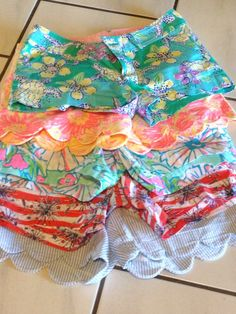 Lilly Shorts = happy spring and summer Lilly Shorts = happy spring and summer Preppy Girl, Preppy Style, Style Me, Summer Outfits, Cute Outfits, Summer Shorts, Short Outfits, Summer Clothes, Mode Cool