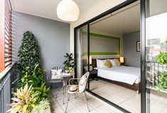 Love shopping in Bangkok? 21 Affordable hotels to stay at in Pratunam so you can shop till you drop! Garden City Hotel, Terrace Hotel, Bangkok Restaurant, Bangkok Hotel, Hotels And Resorts, Best Hotels, Hotels With Balconies, Urban Rooms, Superior Room