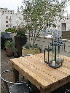 Steal This Look: Growsgreen Urban Garden - Gardenista Outdoor Tables, Outdoor Spaces, Outdoor Living, Outdoor Decor, Rooftop Dining, Rooftop Terrace, Restoration Hardware Outdoor, Landscape Design, Garden Design