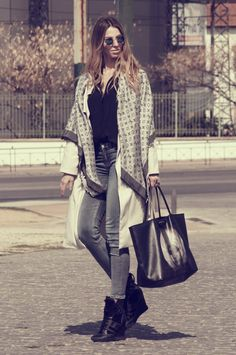 #streetstyle#ootd#muserebelle#givenchy#bag#wedges#lv#louisvuitton#acnedenim#trenchcoat#fashion#fashionblogger#ms
