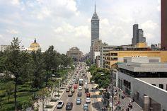 La importancia de la Avenida Juárez radica en que es una de las principales vías de acceso que existen para poder llegar al Centro Histórico de la CDMX.
