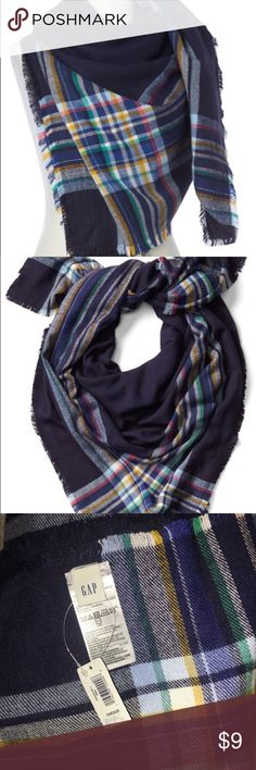 NWT WOMENS GAP SCARF NWT cozy oversized plaid scarf. Made with modal and acrylic. Great scarf because it can be worn multiple ways!! GAP Accessories Scarves & Wraps