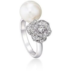 Piaget Diamond & 10MM White Akoya Pearl Ring ($7,150) ❤ liked on Polyvore featuring jewelry, rings, pave ring, pearl diamond ring, rose ring, round diamond ring and fine jewelry diamond rings