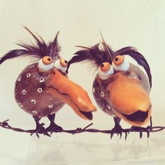 Great for home or office. Birds are extremely therapeutic to the mind and soul. Feather Crafts, Bird Crafts, Halloween Gourds, Halloween Crafts, Pasta Piedra, Weird Birds, Plaster Crafts, Hand Painted Gourds, Paper Mache Sculpture