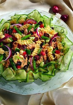 Rotini Niçoise Nicoise, Pasta Salad, Zucchini, Salads, Magazine, Vegetables, Ethnic Recipes, Food, Crab Pasta Salad