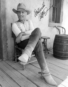 Robert Duvall - Lonesome Dove Best book EVER! What's not to love about Robert Duvall? Robert Duvall, O Cowboy, Cowboy Baby, Western Cowboy, Lonesome Dove, Cinema, Hommes Sexy, Western Movies, Western Art