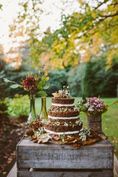 Weddbook is a content discovery engine mostly specialized on wedding concept. You can collect images, videos or articles you discovered organize them, add your own ideas to your collections and share with other people | Woodland Autumnal Boho Wedding Ideas