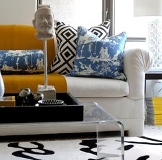 These 21 contemporary living room ideas, are designed by famous interior interior designers. Enjoy!!