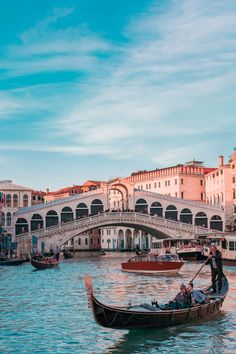 A Foodie's Guide To Venice, Italy - Travel Dreams 2020 Venice In A Day, Visit Venice, Venice Travel, Italy Travel, Travel Europe, Travel Packing, Travel Usa, Bolivia Travel, Packing Cubes