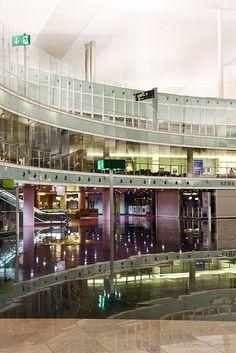 Arrivals, El Prat airport of Barcelona Barcelona Architecture, Modern Architecture, Goal Board, Civil Aviation, Airports, International Airport, Travel Goals, Bridges, Airplanes