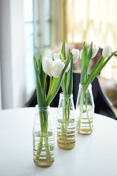 DIY Bottle Vases #DIY #vases #gold #decor #floraldesign #flowers