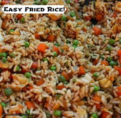 Fried Rice is one of my all time favorite things to eat when I get take out. It is SO easy to make at home and it tastes delicious for a fraction of the cost! Rice Dishes, Food Dishes, Main Dishes, One Pot Meals, Easy Meals, Asian Recipes, Ethnic Recipes, Oriental Recipes, Chinese Recipes