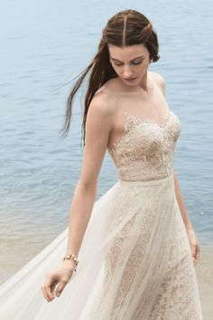 Marseille gown with Lazio overlay skirt from Willowby by Watters is available at Sincerely, The Bride Vancouver, WA Portland Metro #sincerelythebride #oregonbride #nwbride