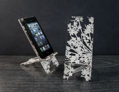 Phone Stand for iPhone 4/4S and iPhone 5 Docking by PhoneTastique