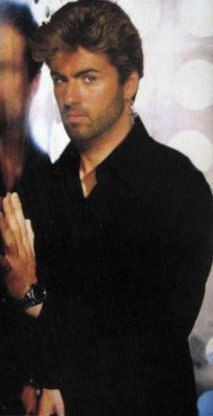 George Michael love this pic so sexy. Beautiful Voice, Beautiful Men, Andrew Ridgeley, George Michael Wham, Michael Love, Singing Career, Record Producer, Barista, Sexy Men