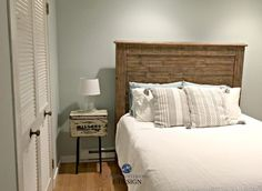 Sherwin Williams Sea Salt, best green blue paint colour in guest bedroom with wood headboad. Kylie M E-design Blue Gray Bedroom, Blue Gray Paint, Blue Paint Colors, Blue Grey, Sherwin Williams Comfort Gray, Sea Salt Sherwin Williams, Bedroom Color Schemes, Bedroom Colors, Best Interior Paint