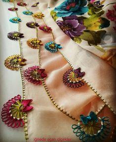 Gorgeous Crochet Needlework Models That Anyone Can Make - Дизайн дома Embroidery Needles, Embroidery Patterns, Hand Embroidery, Hairpin Lace Crochet, Crochet Baby Poncho, Easy Crochet, Crochet Shawl, Free Crochet, Baby Knitting Patterns