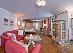 Austria, Pertisau, Hotel Wisenhof, Pokój, Wakacje Austria, Mirror, Furniture, Home Decor, Decoration Home, Room Decor, Mirrors, Home Furnishings, Home Interior Design