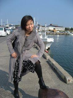 人は港に行くとこのポーズをせずにはいられない。…ところで、この足をかけてるコレは何という名前なんでしょう?