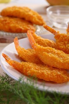 Breaded shrimp are flavorful and easy to make. Once you have done the breading the shrimp will only take a minute or two to cook through. You just have to peel and devein some shrimp, then dredge them (Shrimp Recipes Easy) Fried Shrimp Recipes, Prawn Recipes, Shrimp Dishes, Fish Dishes, Salmon Recipes, Fish Recipes, Seafood Recipes, Asian Recipes, Cooking Recipes