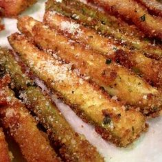 Fried Zucchini Batter, Deep Fried Zucchini, Fried Zucchini Recipes, Zucchini Side Dishes, Zucchini Cheese, Zucchini Fries, Veggie Side Dishes, Vegetable Sides, Vegetable Recipes