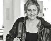 """Want a sneak peek at the small films hitting during popcorn-movie season that could become sleeper hits? Deadline's Jen Yamato has the rundown here: http://www.deadline.com/2013/04/2013-summer-sleeper-predictions-frances-ha-spectacular-now/  I'm seeing 'Frances Ha"""" tomorrow and will report back, but """"The Heat,"""" a buddy cop comedy with Melissa McCarthy and Sandra Bullock, could be huge, Jen says.   What are you looking forward to watching? Any must-sees?"""