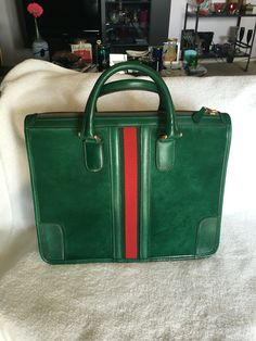 a9fba08da Gucci Handbags Vintage, Vintage Purses, Vintage Gucci Bags, French Fashion,  Louis Vuitton