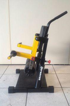 Commercial Gym Equipment, No Equipment Workout, Homemade Gym Equipment, Gym Machines, Leg Curl, Armours, Gym Design, Gym Gear, Barbarian