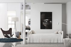 Sofabed Duetto Flou - Italian Design Outlet buy at Transformable bed of simple elegant design. Apartment Interior, Living Dining Room, Living Room Nook, Living Space Decor, Apartment Inspiration, Furniture Retail Design, White Loft, Home Decor Styles, Sofa Design