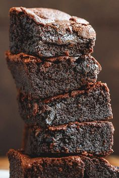 Low-Carb Chocolate Brownies – These low carb keto brownies recipe are fudgy, super easy to make, literally melt in your mouth. This easy keto-friendly dessert works also well as an afternoon … 12 Awesome Keto Dessert Ideas Low Carb Sweets, Low Carb Desserts, Low Carb Recipes, Stevia Desserts, Easy Recipes, Keto Desserts Cream Cheese, Keto Desert Recipes, Stevia Recipes, Cream Cheese Brownies