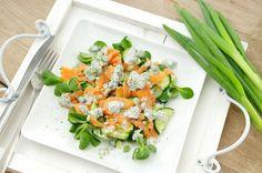 Salade met komkommer en gerookte zalm