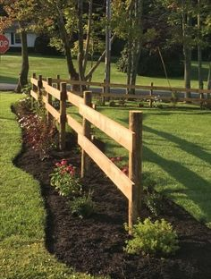32 Awesome Spring Garden Ideas For Front Yard And Backyard. If you are looking for Spring Garden Ideas For Front Yard And Backyard, You come to the right place. Below are the Spring Garden Ideas For . Diy Fence, Backyard Fences, Garden Fencing, Front Yard Landscaping, Landscaping Ideas, Front Yard Fence Ideas, Mulch Landscaping, Farm Fence, Farm Yard