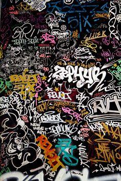 Zephyr street art 1970 environ Art environ Street Zephyr is part of Graffiti wallpaper - Sticker Bomb Wallpaper, Graffiti Wallpaper Iphone, Crazy Wallpaper, Pop Art Wallpaper, Trippy Wallpaper, Aesthetic Iphone Wallpaper, Galaxy Wallpaper, Aesthetic Wallpapers, Hippie Wallpaper