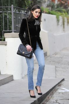 Olivia Culpo serves as a muse for the younger Alexandra Zobel de Ayala whose story of meeting Prince Sebastien of Moradonia is the focus of the novel-to-be Crowning Beauty Look Fashion, Winter Fashion, Fashion Outfits, Olivia Culpo Style, Olivia Culpo Hair, Casual Chic, Winter Outfits, Casual Outfits, Winter Stil