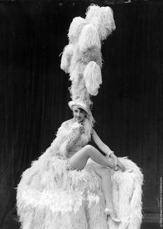 Mistinguett, singer and dancer Jeanne-Marie Bourgeois (1873–1956), at the Folies Bergere cabaret theatre in Paris. (Photo by General Photographic Agency/Getty Images)